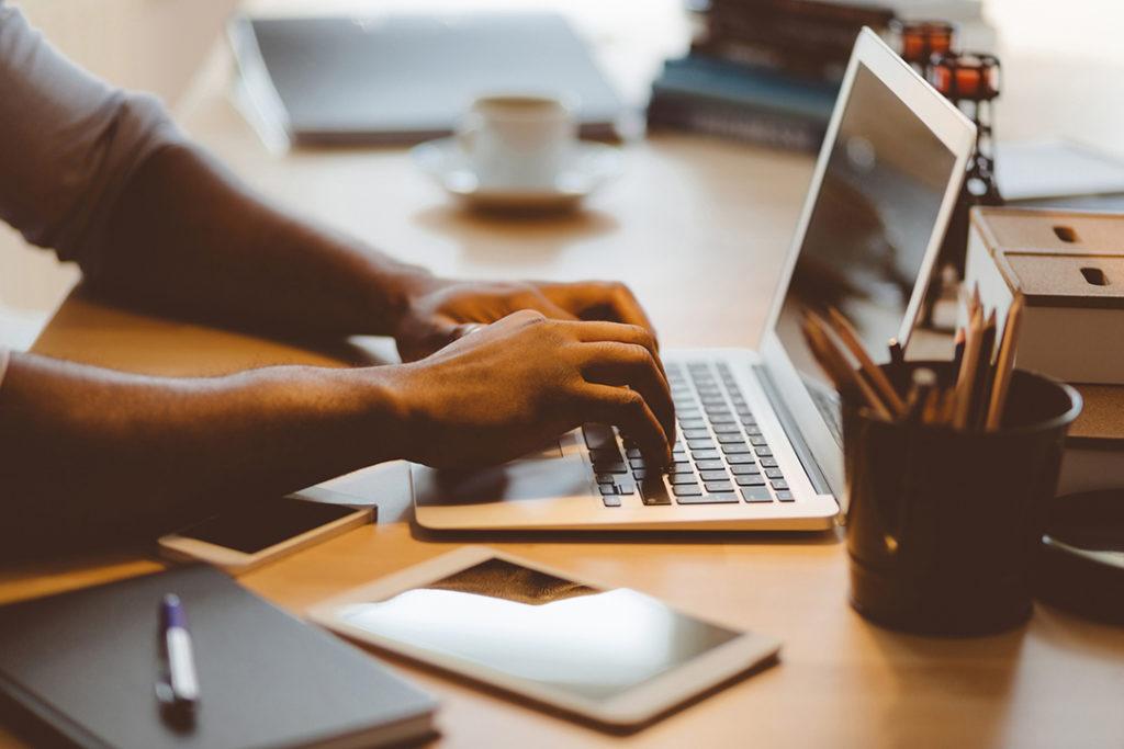 Kako pokrenuti vlastiti posao uz pomoć interneta