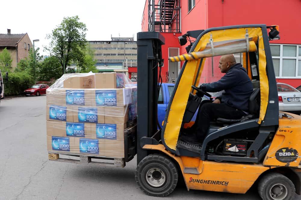 (FOTO) BBI banka i Rijaset IZ BiH i ove godine podijelit će 1.000 paketa hrane povratnicima