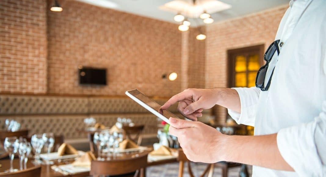 Šta restorani i kafići treba da urade online